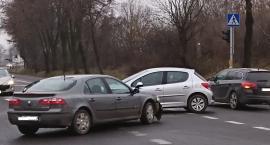 Kolizja na skrzyżowaniu w Wyszogrodzie na drodze nr 62.